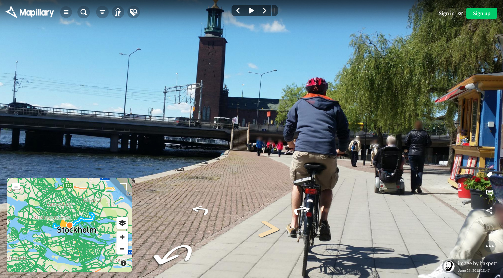 Image from one of the cycle paths in Stockholm, by a Mapillary user.