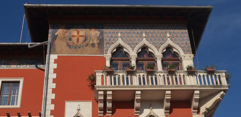 """Gradska palača Vodnjan (134FJAKA_1070)"" by Janko Hoener is licensed under CC BY-SA 2.0"