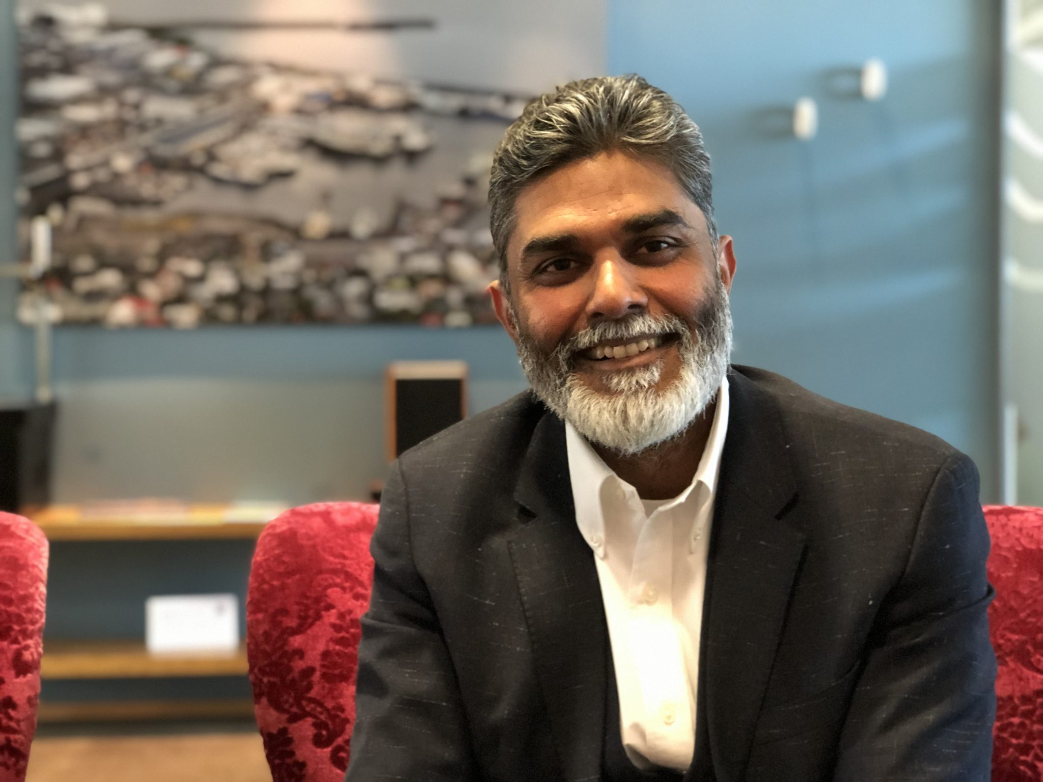 Image of Bala Kamallakharan, a consultant who's helped build the tech scene for Icelandic Startups for the past decade