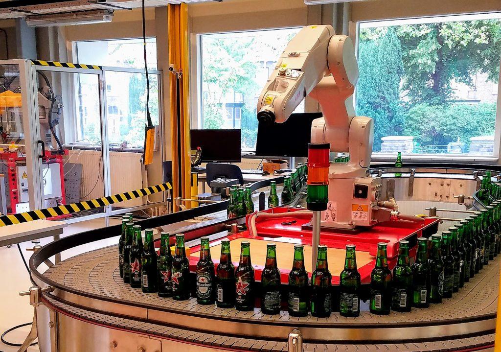 Heineken robot that helps pick up fallen bottles
