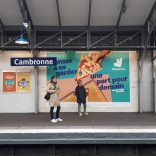 Photo of a Deliveroo ad on the Paris metro