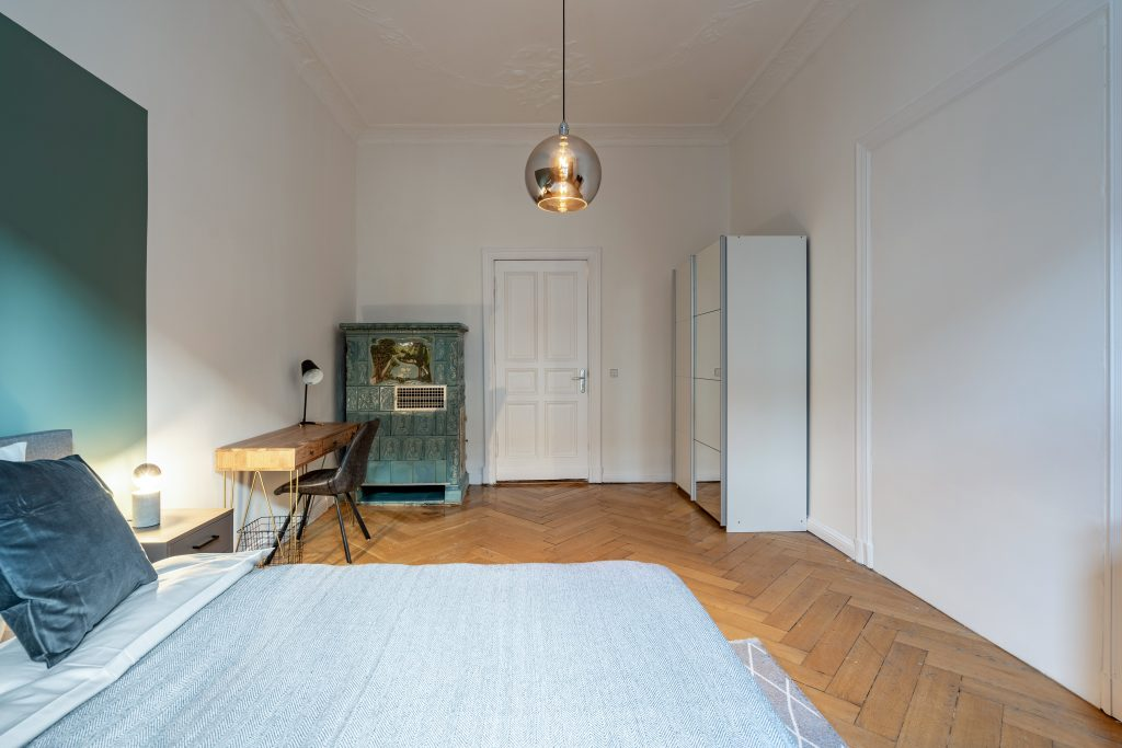 Photo of a bedroom at one of Homefully's coliving spaces