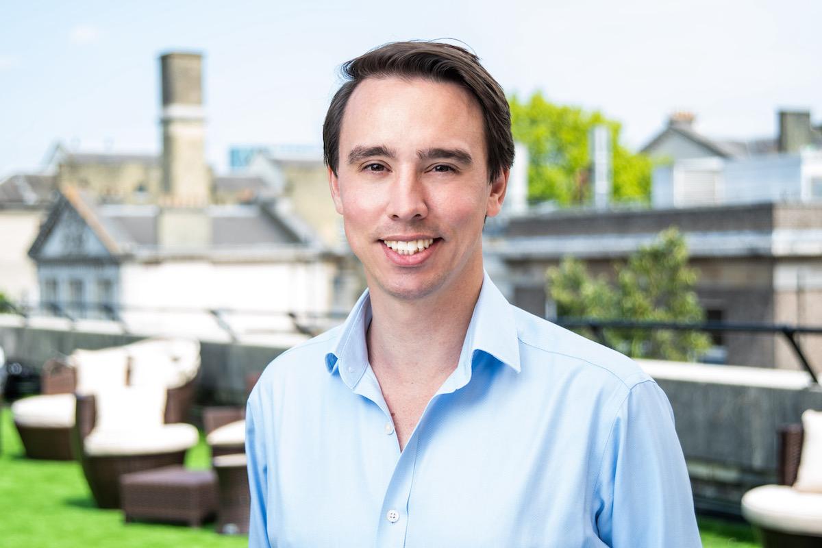 Headshot of Alex Smout, principal at InMotion Ventures, CVC of mobility company Jaguar Land Rover